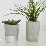 DIY: Blumenübertöpfe aus Beton selber machen