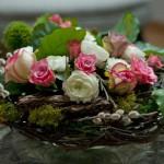 DIY Blumendeko mit Osterkranz Deko-Kitchen