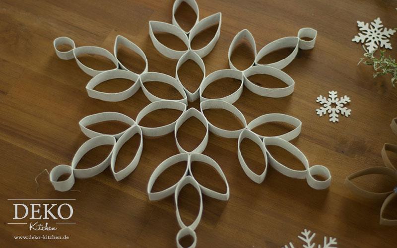 DIY: Große Weihnachtssterne aus Küchenrollen – Deko-Kitchen