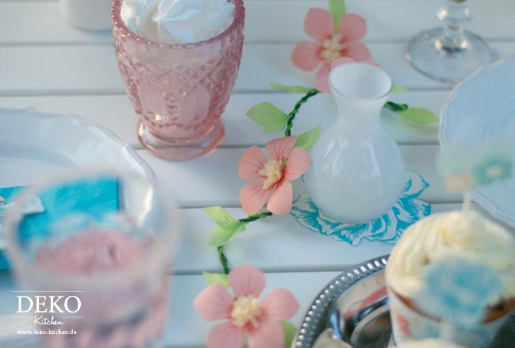 Freebie: hübsche Cupcake Banderolen und Topper von Deko-Kitchen