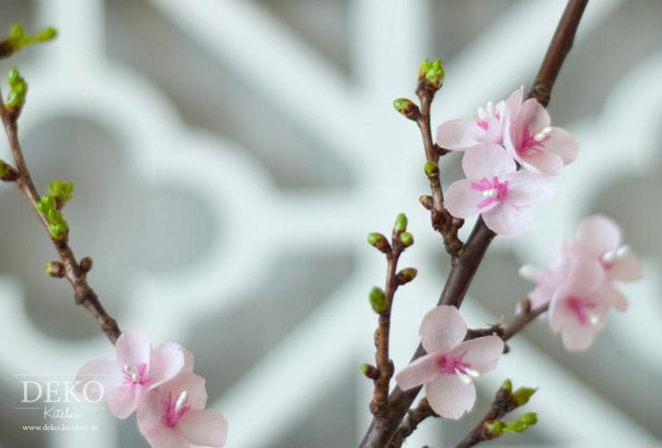 DIY: Kirschblüten aus Krepppapier von Deko-Kitchen