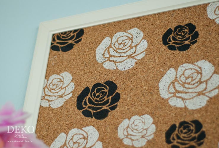 DIY: Bilderrahmen-Pinnwand mit Rosendruck Deko-Kitchen
