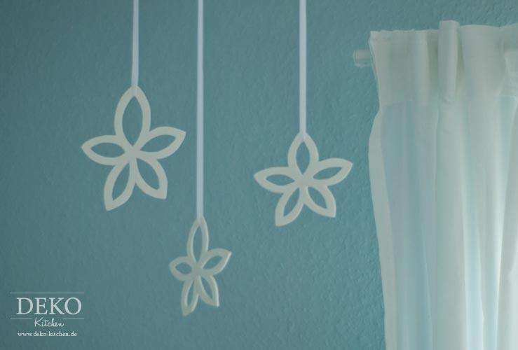 DIY: Blüten aus Modelliermasse zum Aufhängen Deko-Kitchen