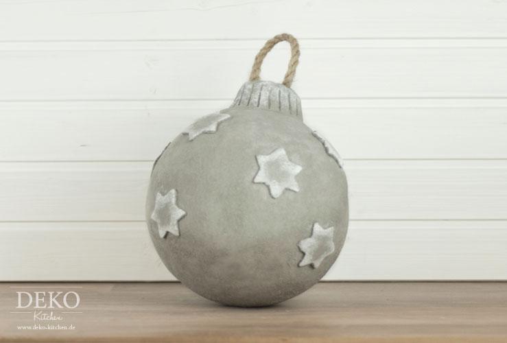 DIY: Riesen-Weihnachtskugel aus Knetbeton Deko-Kitchen