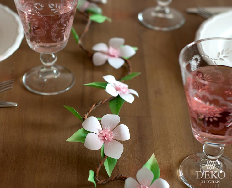 DIY: Tischdeko mit Apfelblüten aus Papier Deko-Kitchen